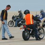 Assurance moto : quel prix pour les jeunes conducteurs?