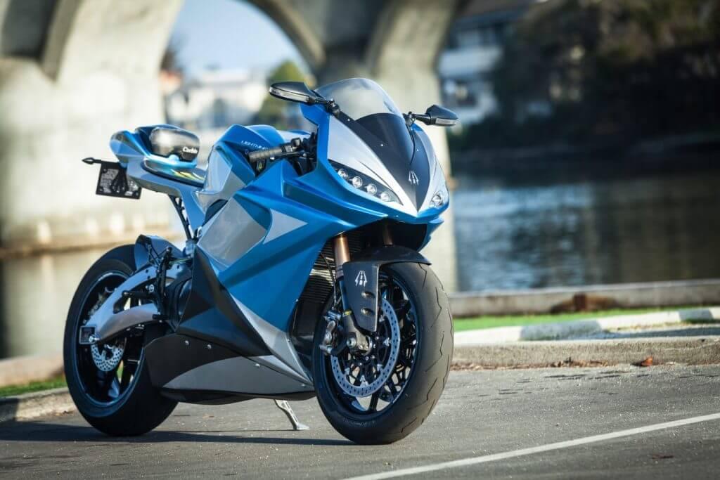 Foudre LS-218 moto electrique sportive et agressive